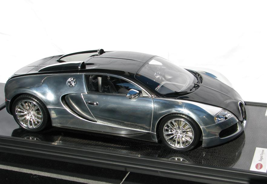 1 43 collector studio bugatti veyron 39 pur sang 39. Black Bedroom Furniture Sets. Home Design Ideas