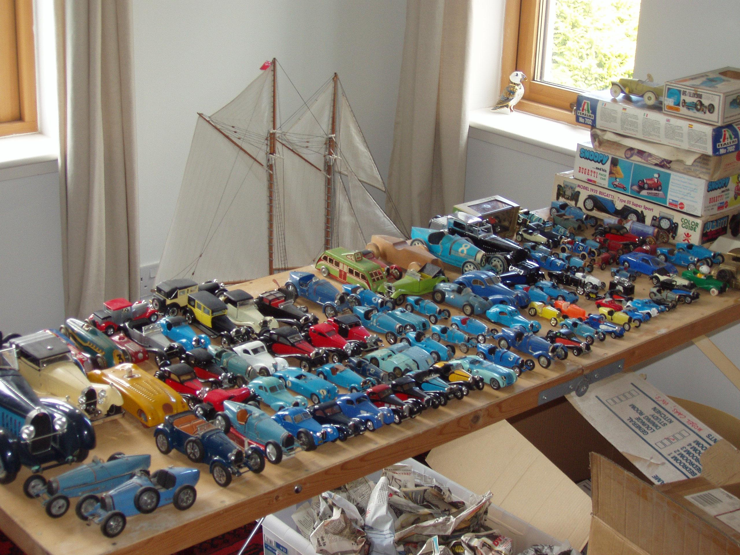 I Am Selling Up My Collection Of Around 130 Models And Un